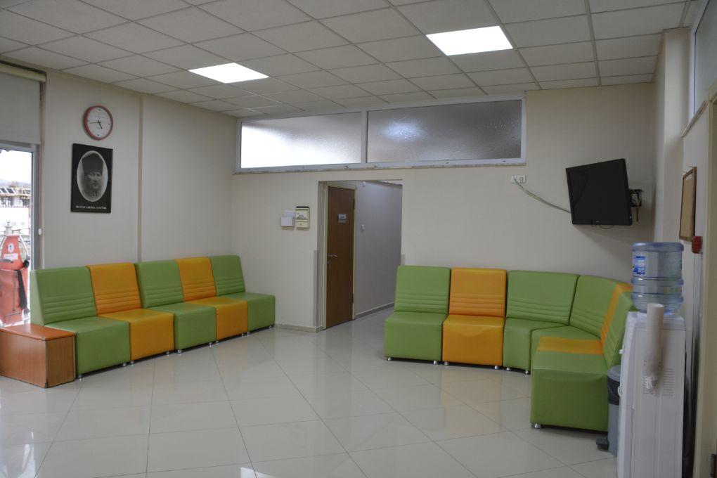 Bergama Diyaliz Merkezi Bekleme Salonu